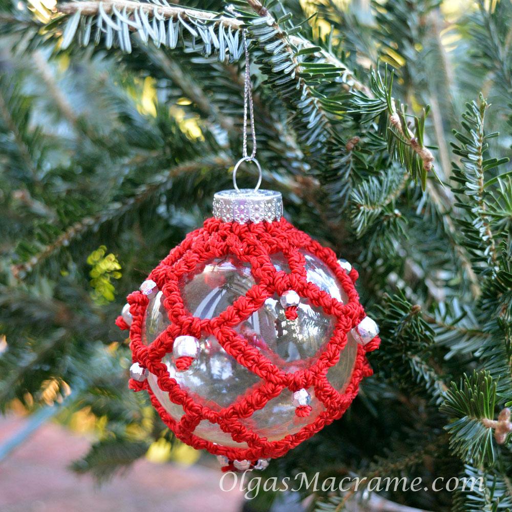 Macrame Christmas Ornament Tutorial